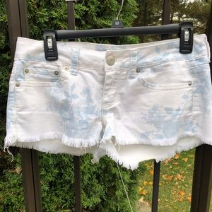American Eagle Shorts Stretch Distressed Size 2